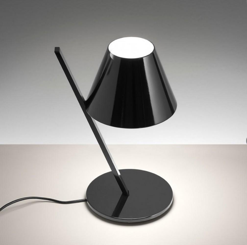 la petite lampe noire artemide d couvrez luminaires d. Black Bedroom Furniture Sets. Home Design Ideas
